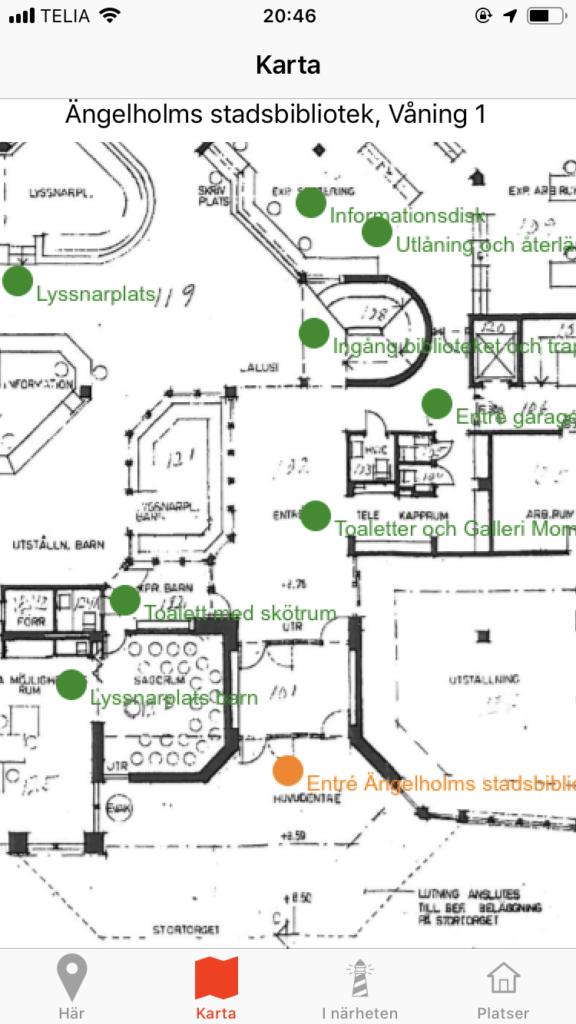 Karta över Ängelholms stadsbibliotek med fyrarna utmärkta. Ingången är orange medan de övriga är gröna.